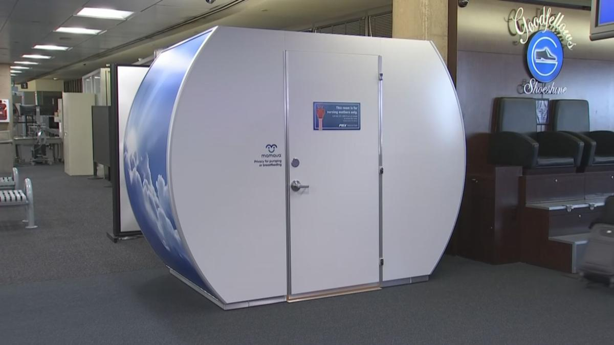 Mamava pod at Sky Harbor