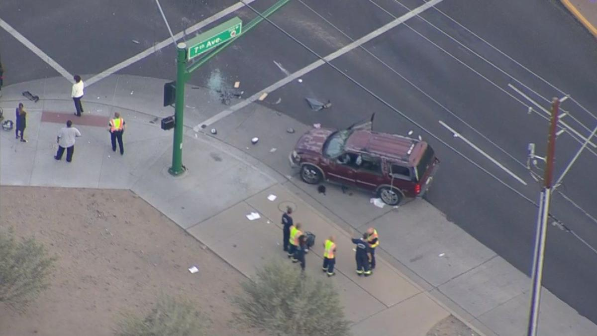 UPDATE: 7 hurt in north Phoenix crash, 1 child ejected from vehicle