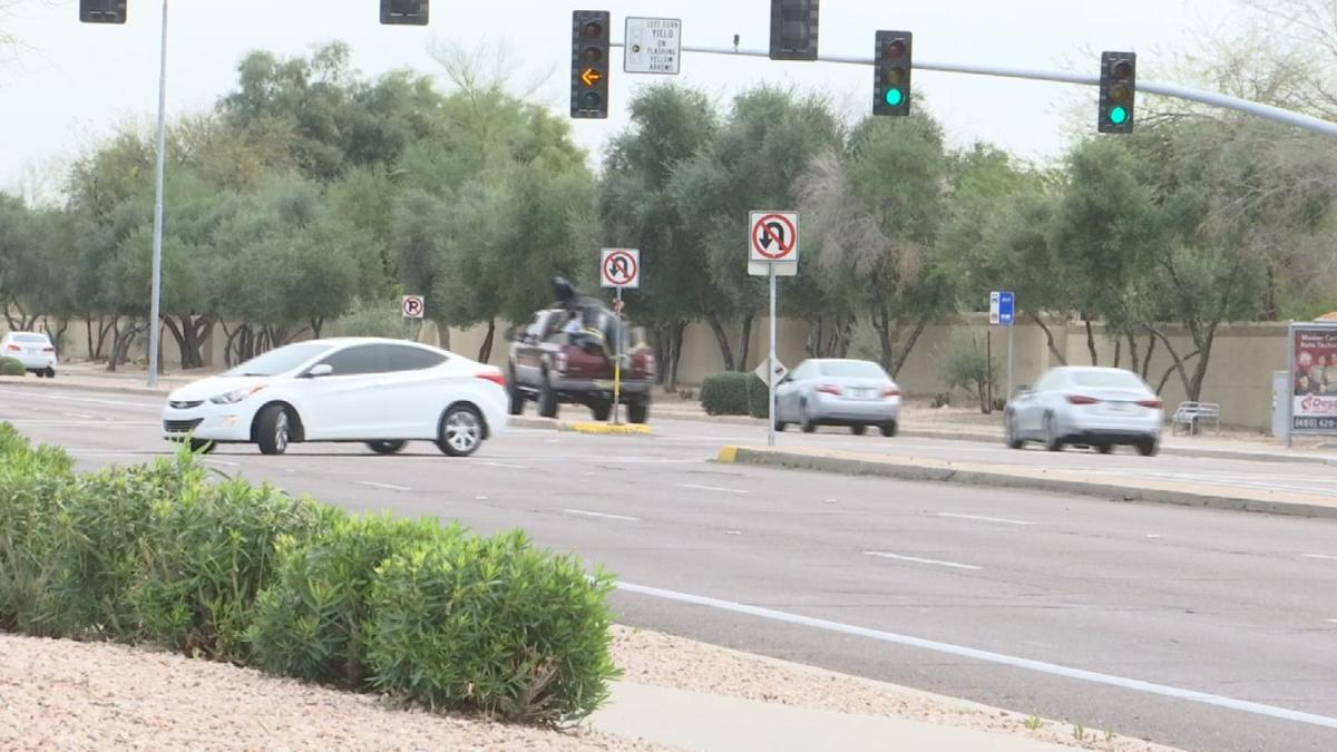 Stanley Roberts went to Chandler to see just how bad the U-Turn problem was.