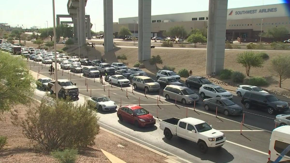 Terminal 4 at Sky Harbor Airport reopens after unattended vehicle investigated
