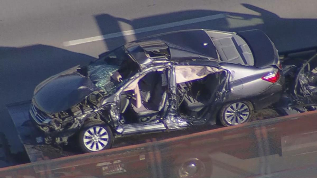woman killed in gilbert crash possibly causedred light runner