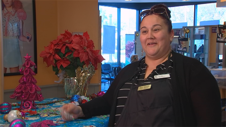 Friends Pay it Forward to Glendale mom who had $800 stolen before Christmas