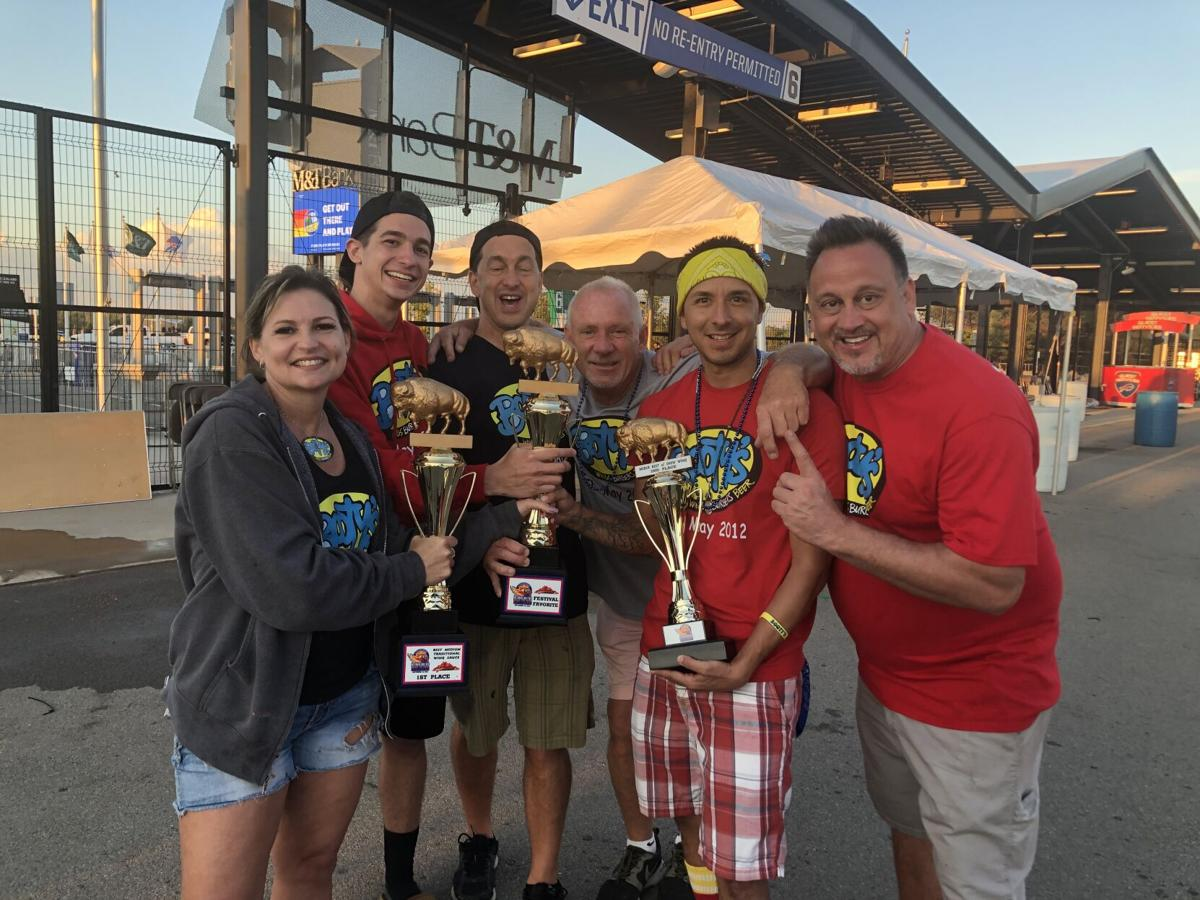 Booty's Wings, Burgers, and Beers winning the awards