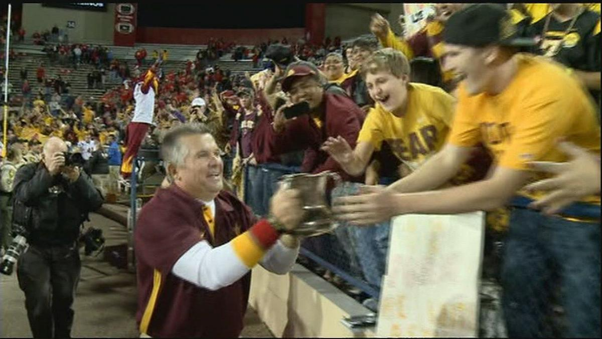 With future in doubt, Graham focuses on reclaiming the Territorial Cup