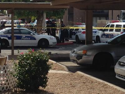 Phoenix officer shoots, kills hammer-wielding woman
