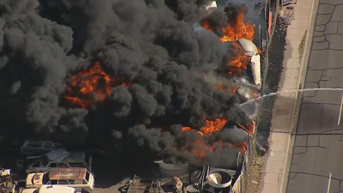 Huge junkyard fire near 27th Avenue and Palm Lane