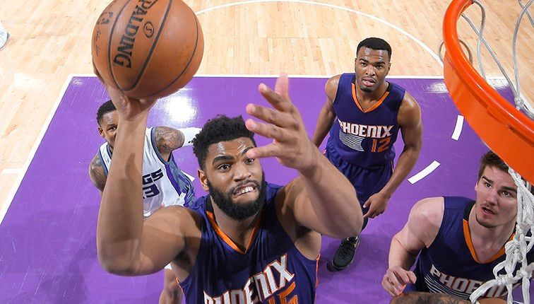 Suns waive Alan Williams