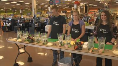 Parents get help making dinner with healthy meal prep service in Peoria and Gilbert