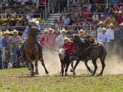 Baker City cowboy sets arena record at Pendleton Round Up