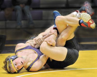 14 Baker wrestlers advance to state tourney