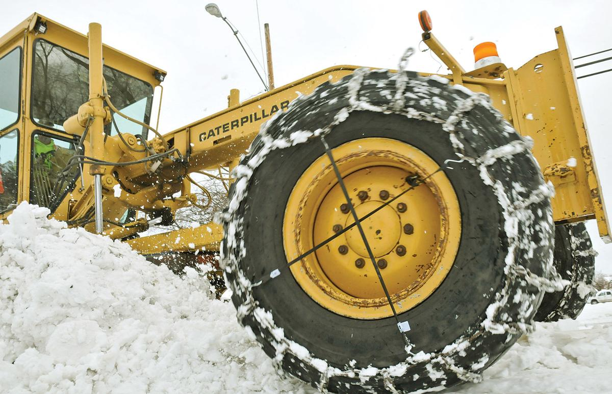 020820-NS_Snow-Plowing-Grader-36_jc.jpg