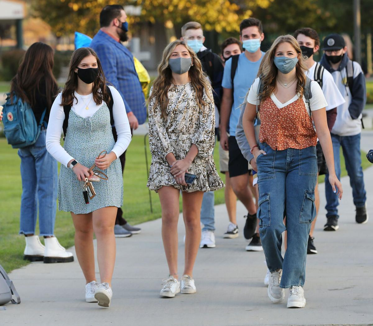 As Cases Rise School Officials Monitor Covid 19 And Bchs Pauses Campus Life News Bakersfield Com