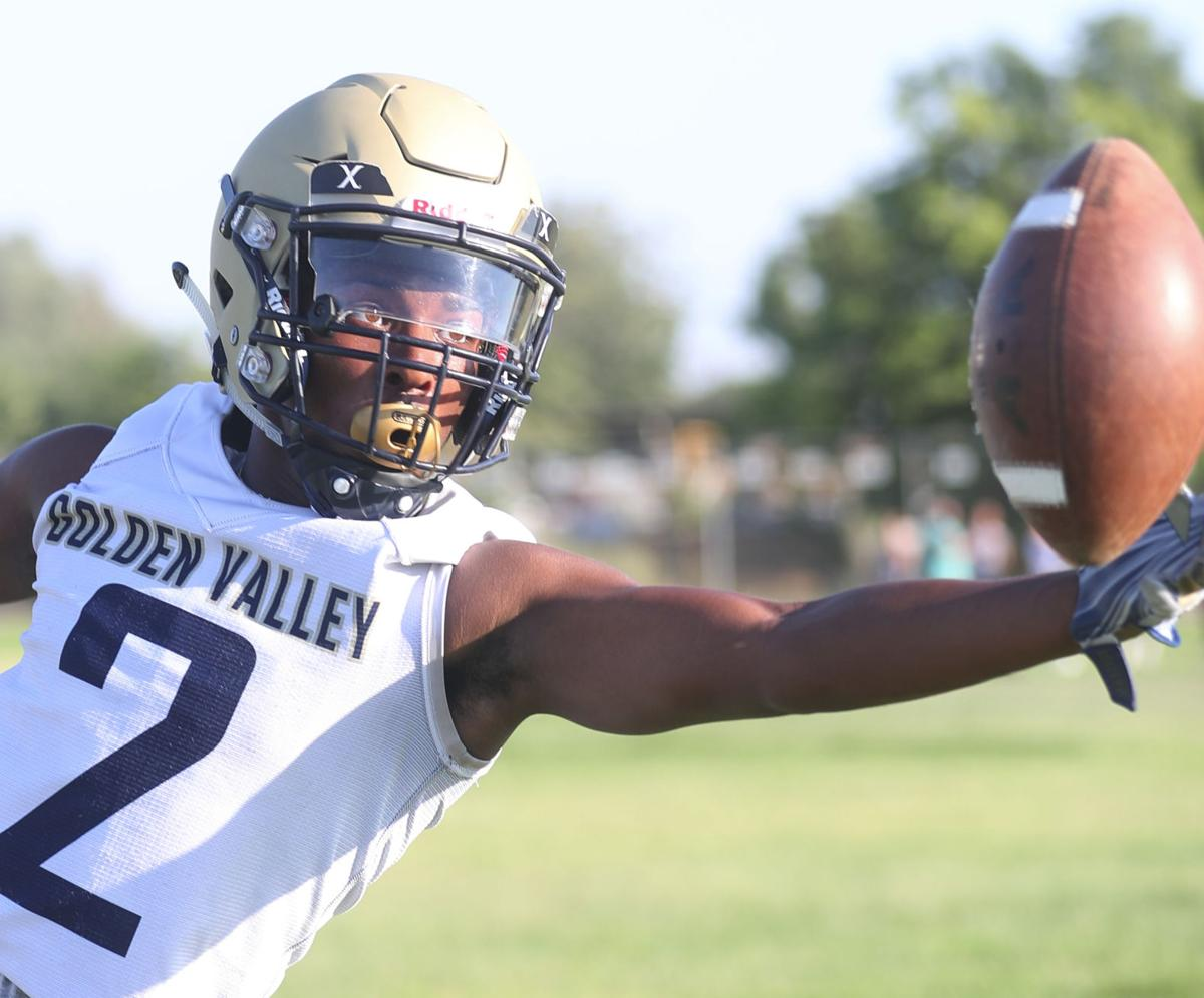 Golden Valley Football Preview Bulldogs Begin New Season With Clean