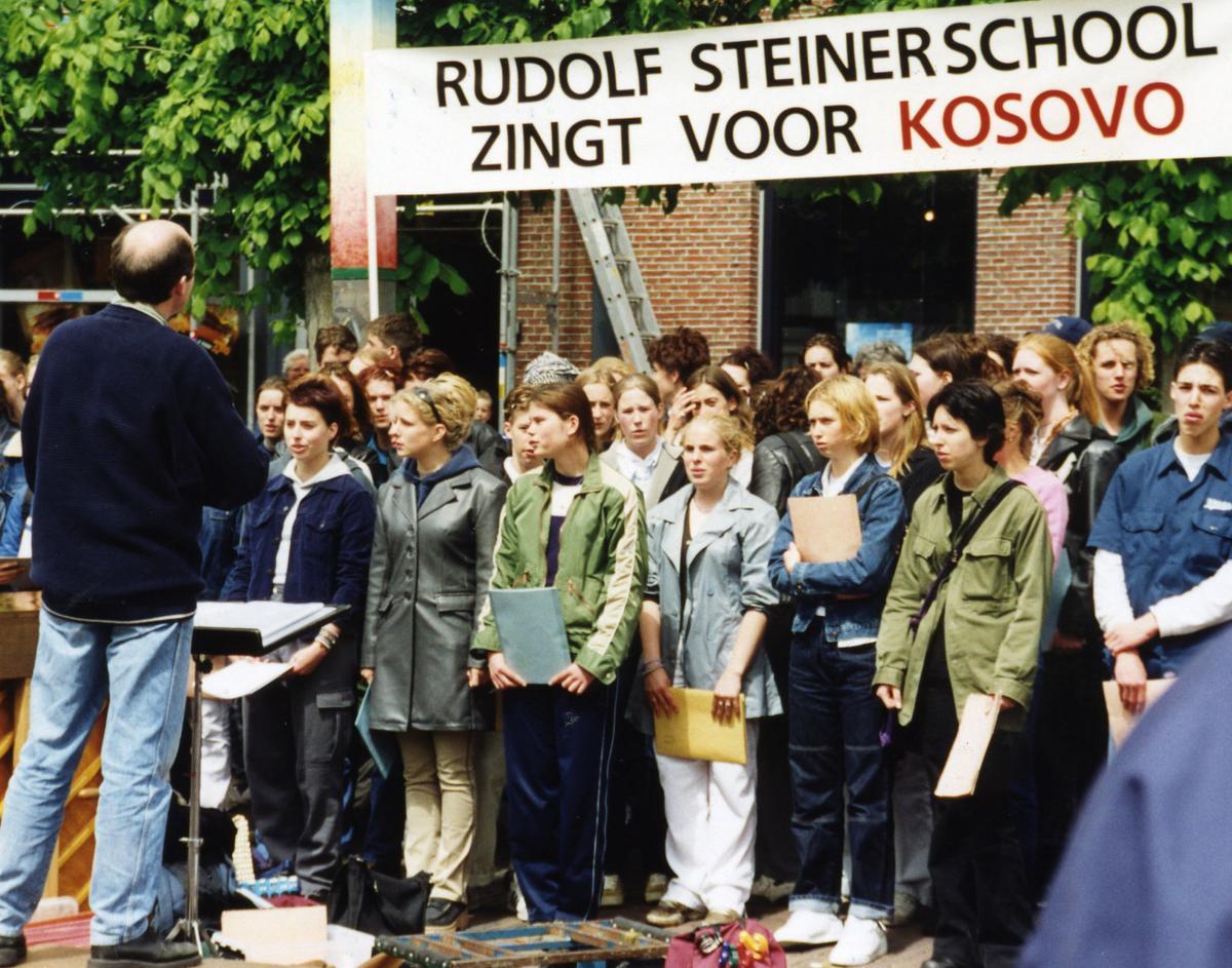 3-Holland Harlaam school children