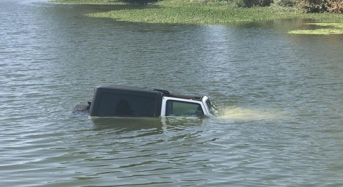 Jeep, driver ends up in Truxtun Lake