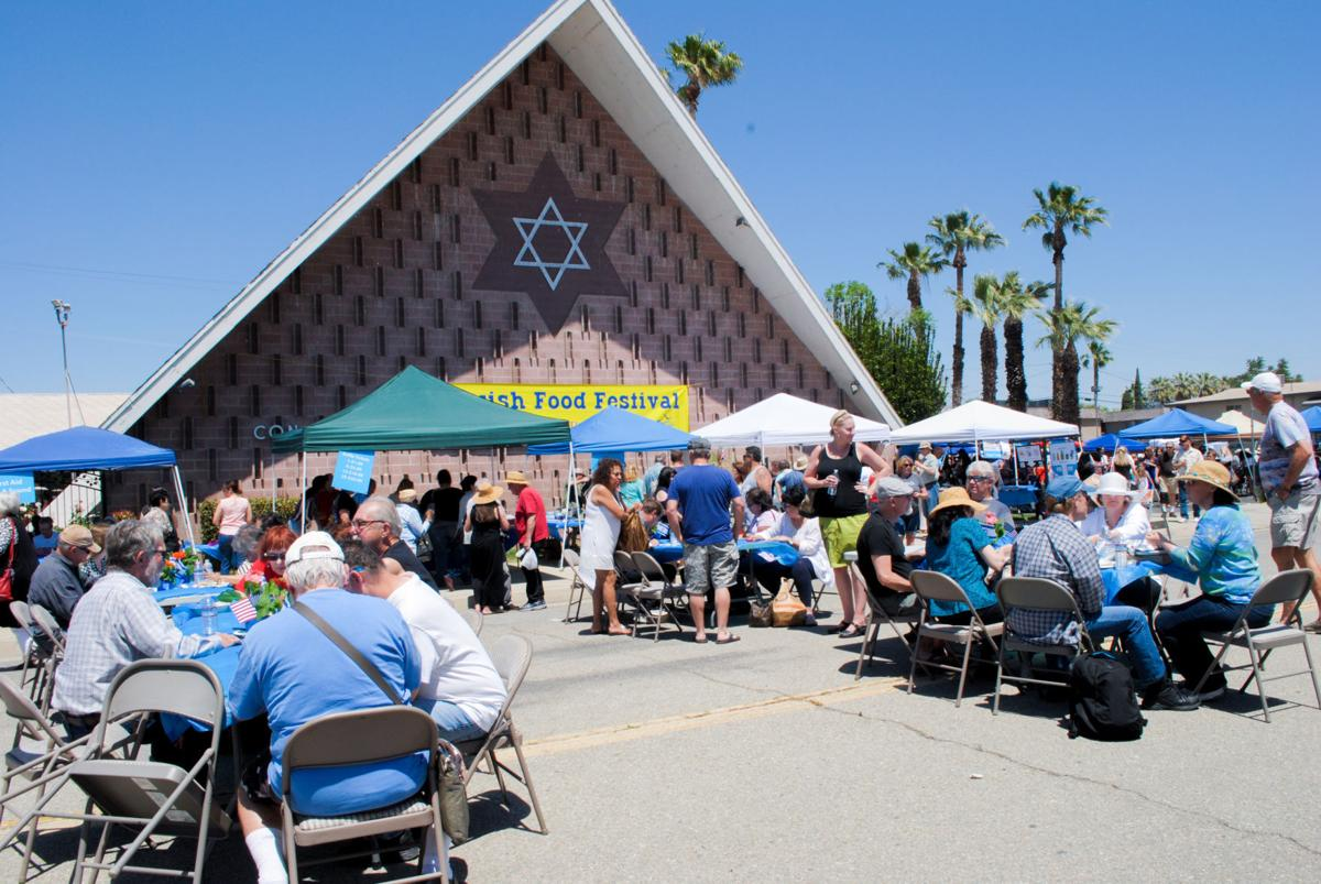 Jewish Festival crowd
