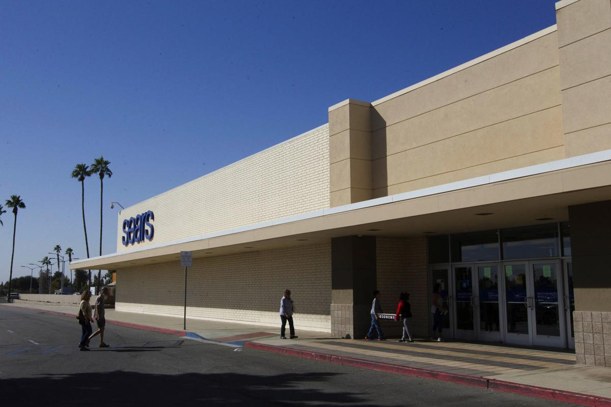 Sears in Bakersfield and Kmart in Delano stores closing