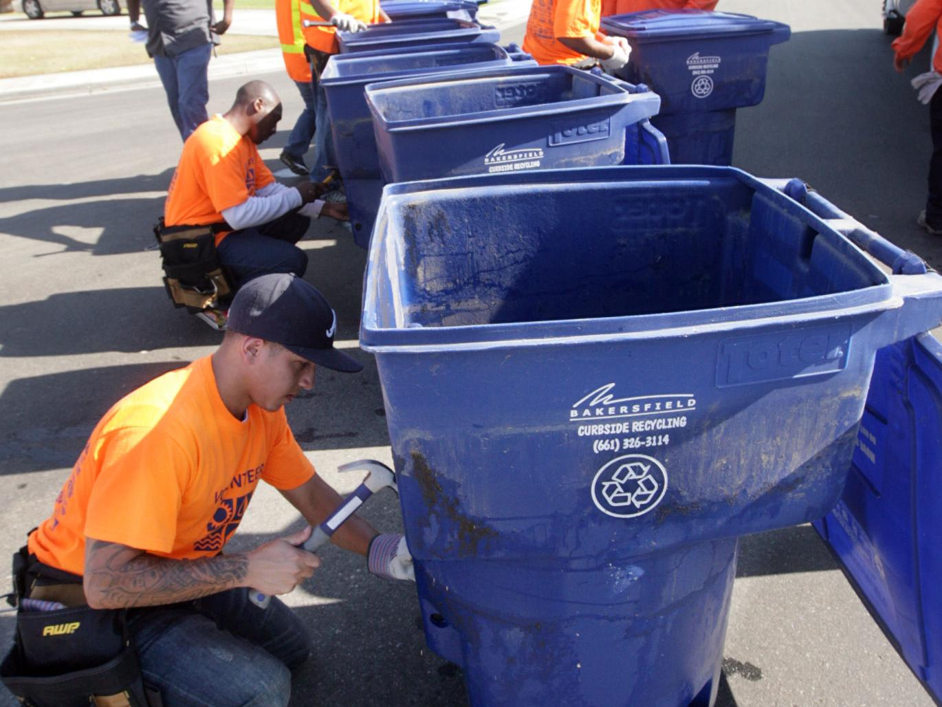 Photos of City Of Bakersfield Curbside Recycling Calendar 2021