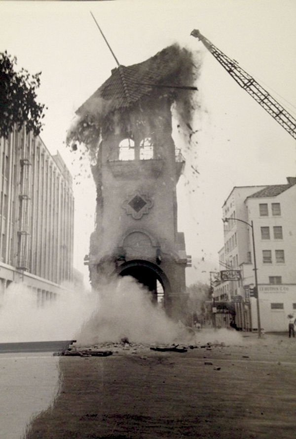 Beale Clock Tower, earthquake