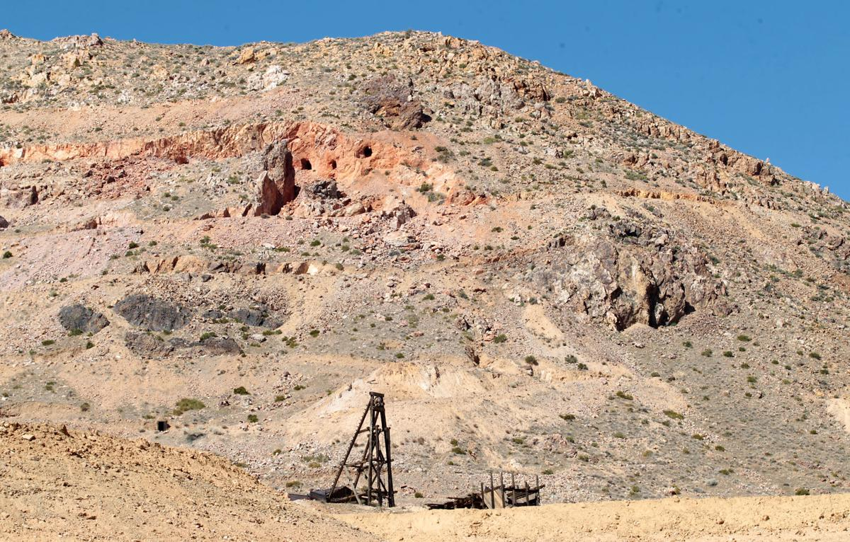 Family offers to buy out struggling gold mine near Mojave