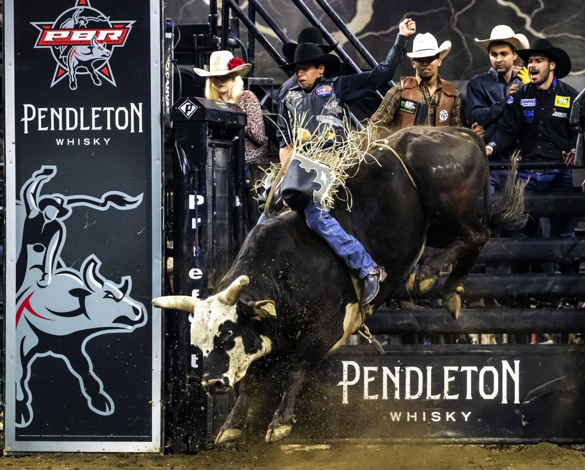 PBR Bull Riding02