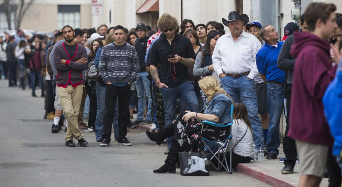 Hundreds show up for chance to be in 'Oildale' film | News ...