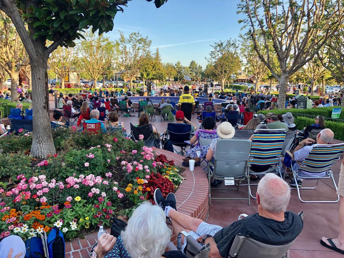 Concerts by the Fountain - 06-06-2019