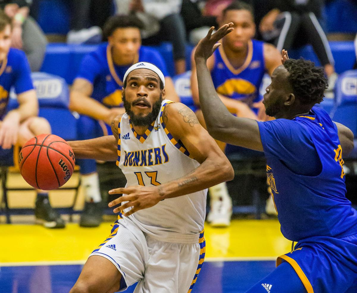 UMKC at CSUB Mens BBall_26