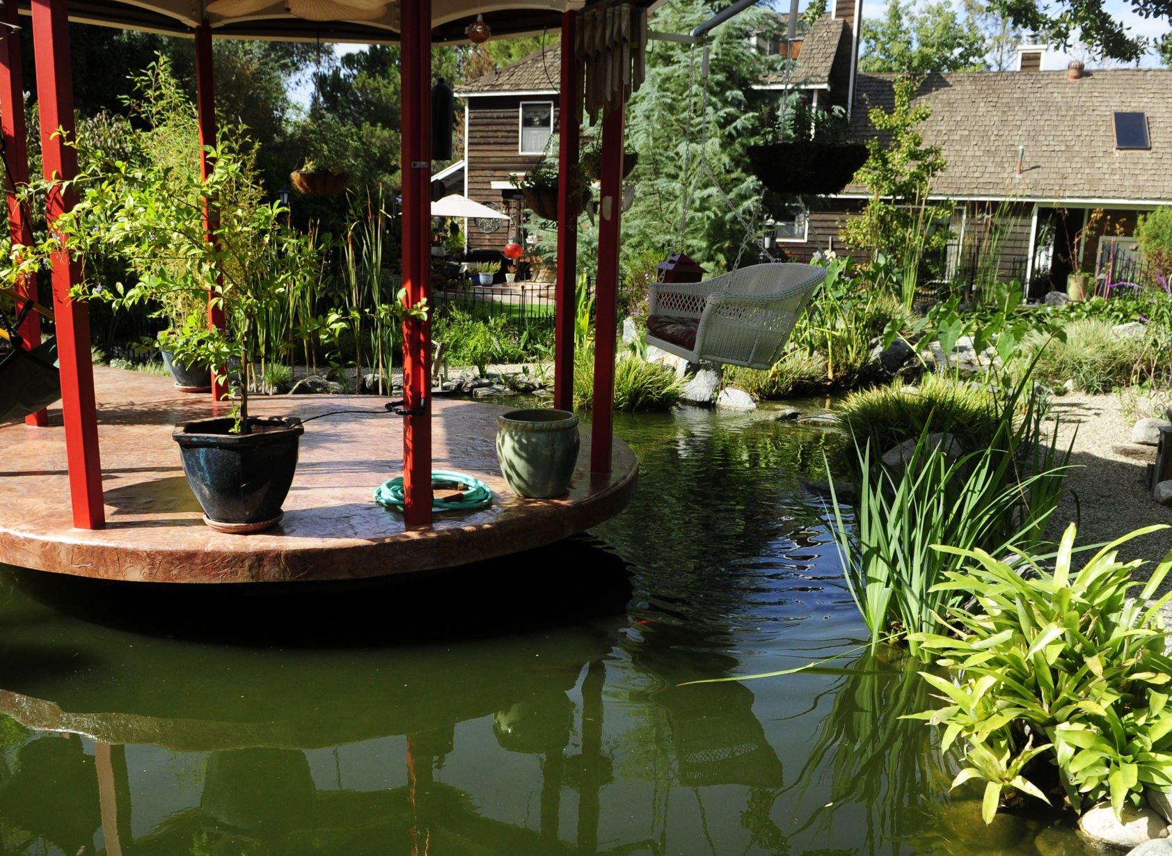 398191916 datajpg On golden ponds Tour lets you