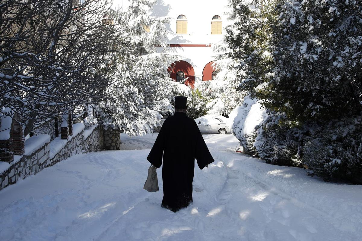 APTOPIX Greece Snow