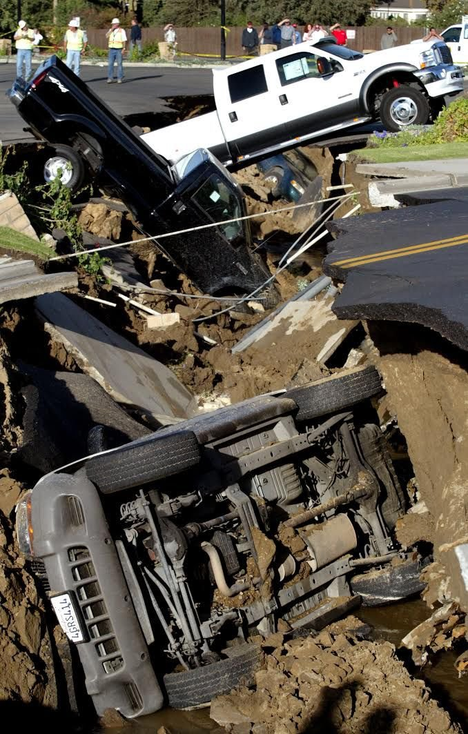 Jim Burke Ford >> Things You Need To Know Remembering The Epic 2003 Sinkhole News