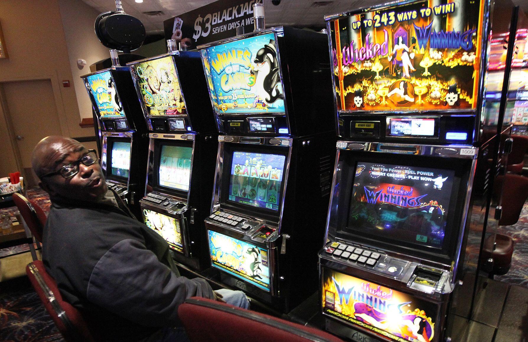 Slot machine casinos in bakersfield montiego bay casino windover