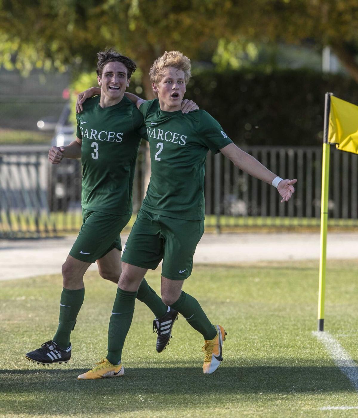 Lindsay vs Garces Boys Soccer10