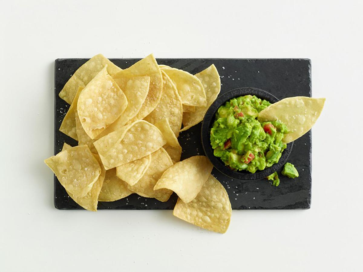 EPL110-41671-Guacamole-and-Chips