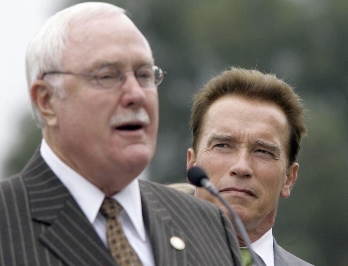 Schwarzenegger's Bakersfield son shows he can flex like dad