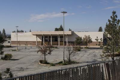 East Hills Mall auction postponed again