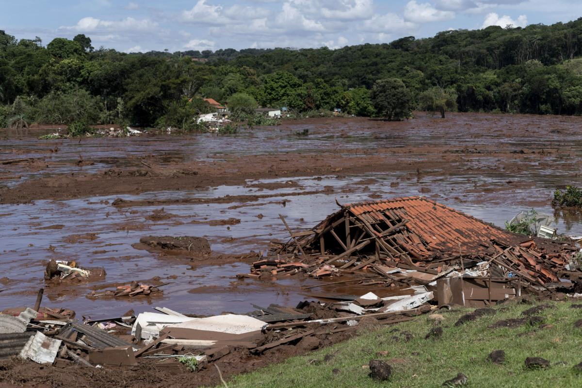 APTOPIX Brazil Dam Collapse