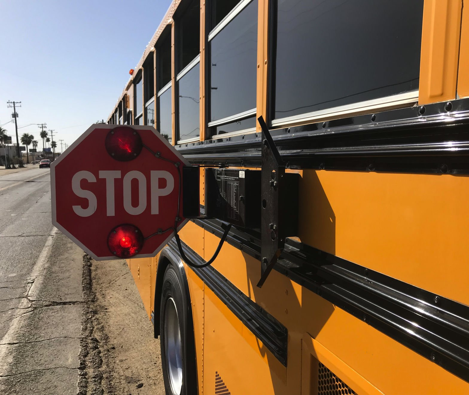 do you stop for red flashing school buses if not prepare to pay rh bakersfield com things to do in bakersfield with a toddler what to do in bakersfield for a date