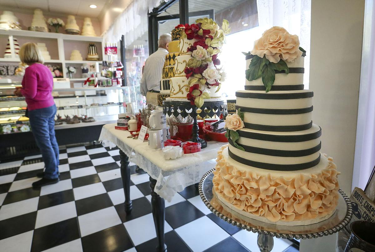 wedding cake bakersfield ca tastries bakery owner sits to tell story news 21908