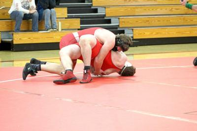 Amery flexes its muscle in over B-W grapplers