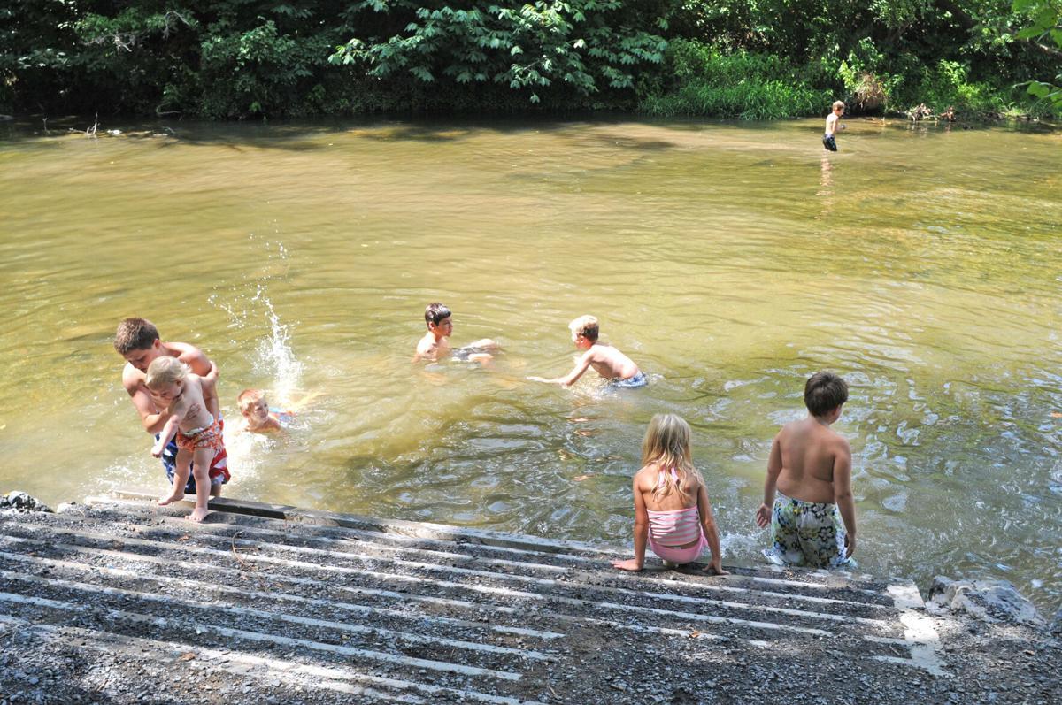 Families splash Shenandoah River