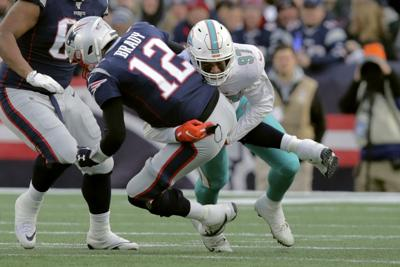 Patriots fall to Dolphins, lose bye
