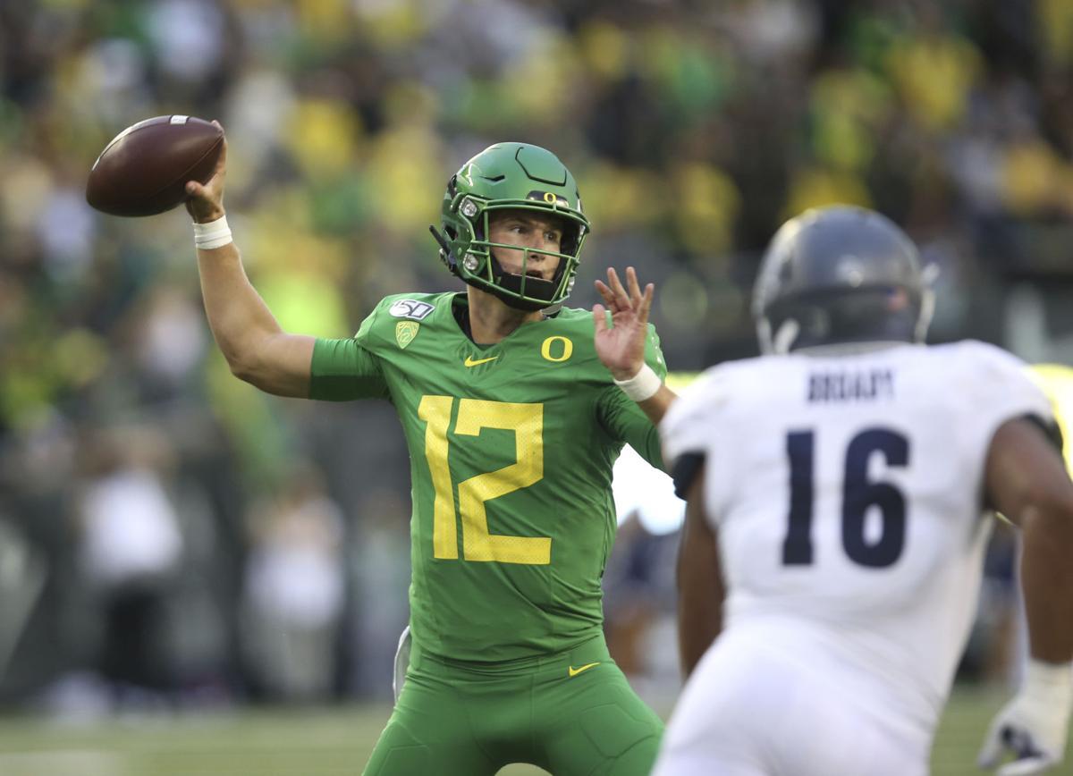 Oregon Ducks Oc Joe Moorhead We Re Planning To Run The Quarterback And Make Him A Viable Threat Sports Bendbulletin Com