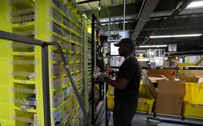 Amazon's wage hike lifts California's warehouse region (copy)