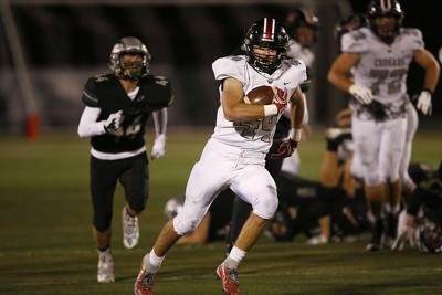 Mountain View pummels Summit in league opener for football (copy)