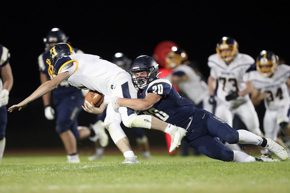 La Pine football battles hard in loss to Henley; hopes preseason tests bring postseason success