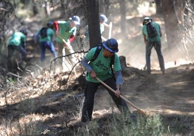 Hundreds of volunteers create 4 miles of trail (copy)