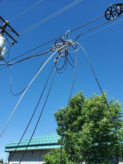 BendBroadband Utility Cables Following Mid-Day Crash.