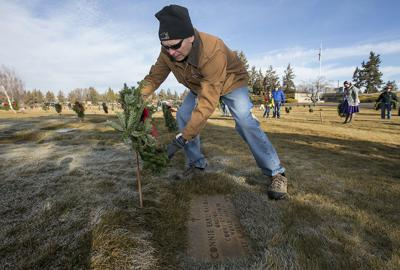 Holiday wreaths honor Central Oregon's military veterans
