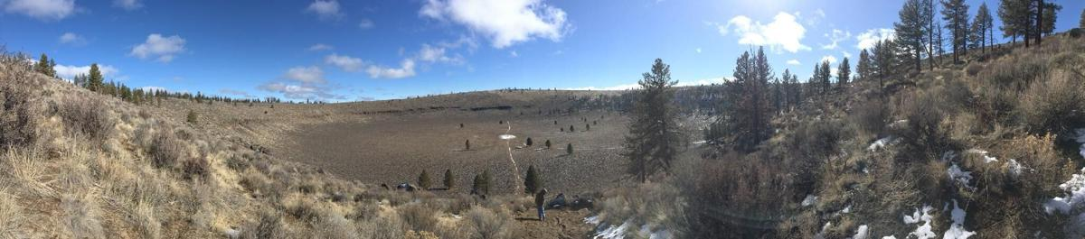 panoramic view from the midpoint of Hole-in-the-Ground trail